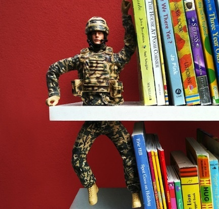 DIY Boys Room bookends... perfect for all those soldiers or figurines that are broke too!