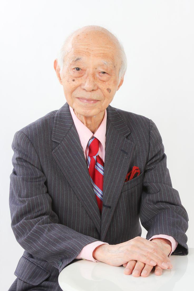 瀬川昌久(Masahisa Segawa) 1924年東京生まれ。東京大学法学部を卒業後に富士銀行に入行。駐在員として1950年代のニューヨークに滞在し、本場のジャズを研究し評論活動を開始。特に戦前ジャズのレコードの発掘と紹介を勤め、『レコードコレクターズ』誌に多数寄稿。富士銀行定年退職後は、ジャズ、レビュー、ミュージカルの舞台企画、監修、評論、解説、音楽関連レクチャーやコンサートの企画などを精力的に行う。現在は『月刊ミュージカル』(ミュージカル出版社)編集長を務める。