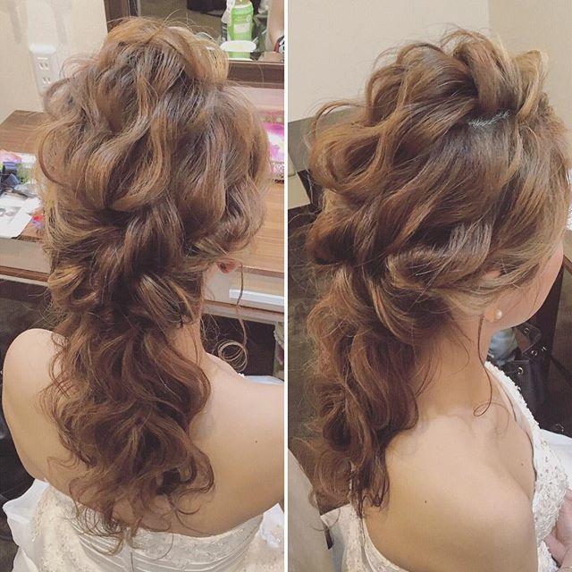 本日の花嫁様の二次会スタイル☺️ 二次会でも髪の質感を落とさないように #花嫁 #ウェディングドレス #ウェディング #ブライダルヘアメイク #プレ花嫁