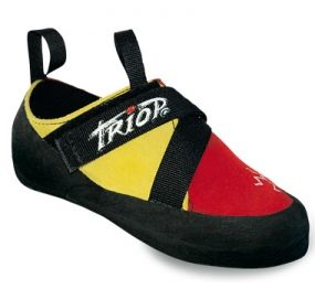 TRIOP JUNIOR A comfortable shoe gives excellent support at an affordable price. Velcro closure ensures quick and safe fastening