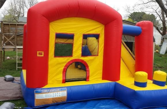 GD Vend Rentals offers cheap bounce house rentals for birthday parties and other events. Your guests will have fun jumping around their inflatable bouncers.
