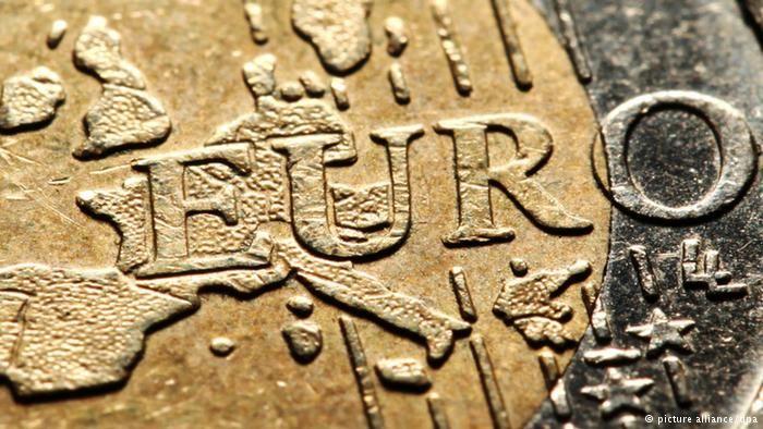 Euro neden düşüyor?