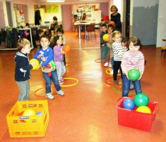 escuela juegos fiestas actividades fsico gimnasio jardn de infancia conjunto la clase