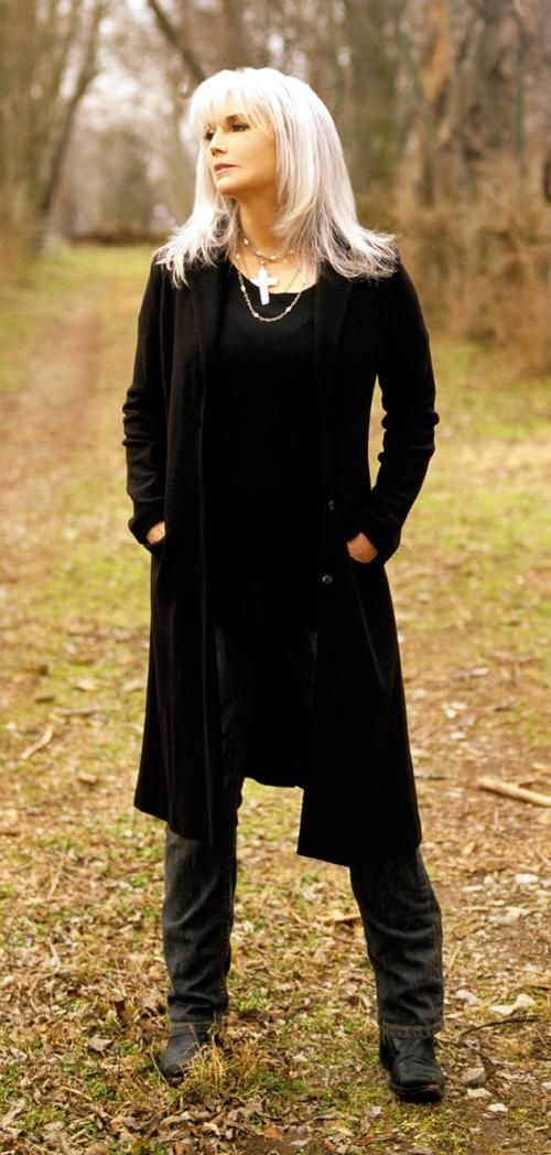 Emmylou Harris, wearing classic black pieces with her silver hair has never looked more stylish!