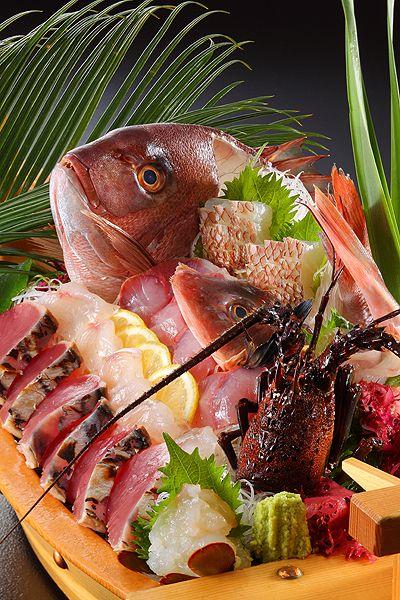 2名で1本のイセエビ付き船盛り&金目鯛煮魚付(こちらも2名で1本)さらにあわびの踊焼きか、かずさ和牛ステーキのチョイスOKお料理グレードアッププラン