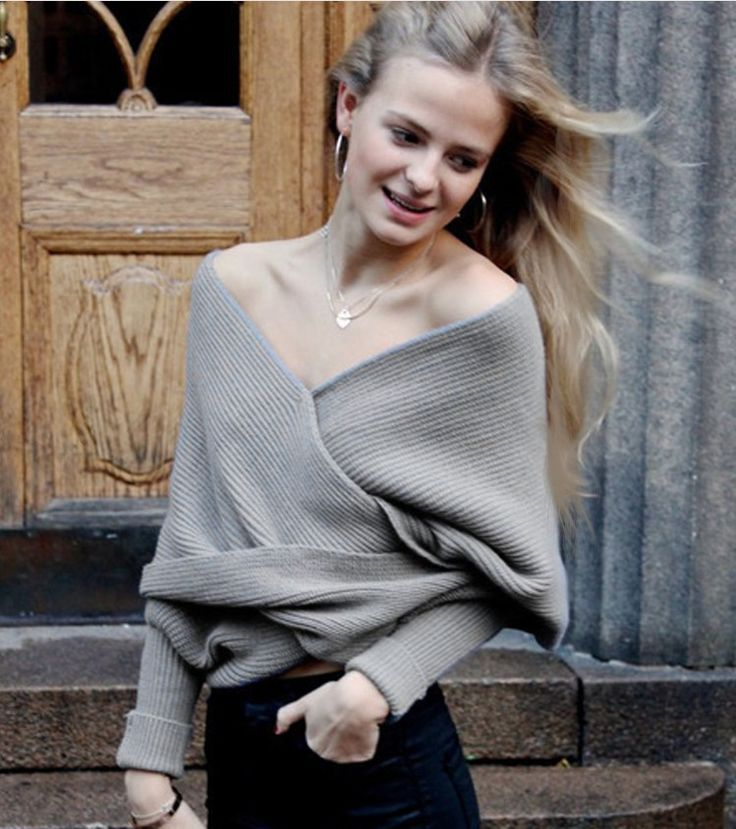 Ribbed Knit Strapless V-neck Off Shoulder Sweater
