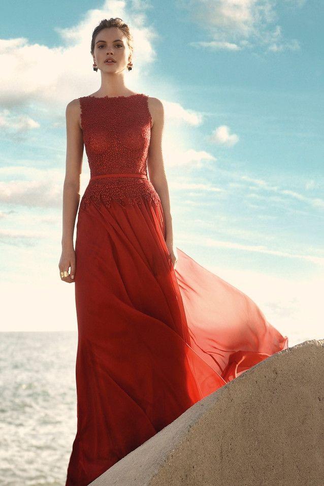 Vestido de fiesta largo color rojo en gasa 91110 by Carla Ruiz   Boutique Clara