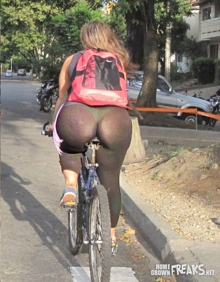 One more time ladies.... leggings are not pants!!!