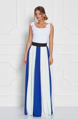 Pestrofarebná maxi sukňa z kolekcie Heritage collection. K tomuto výraznému kúsku stačí zladiť jednoduchý top. Vhodná ako na príležitosť tak aj na bežné nosenie.