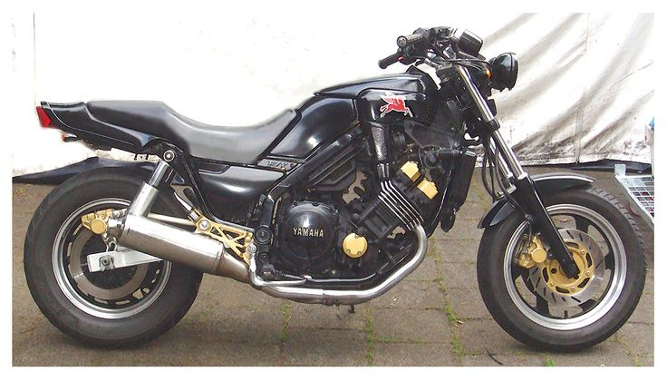 Custom Yamaha FZX 750 by www.paulfunkdesign.com