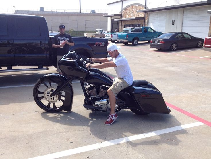"Cope's Custom 26"" HD Road Glide Bagger customized by Chris at Misfit Baggers. Sik Bagger!"