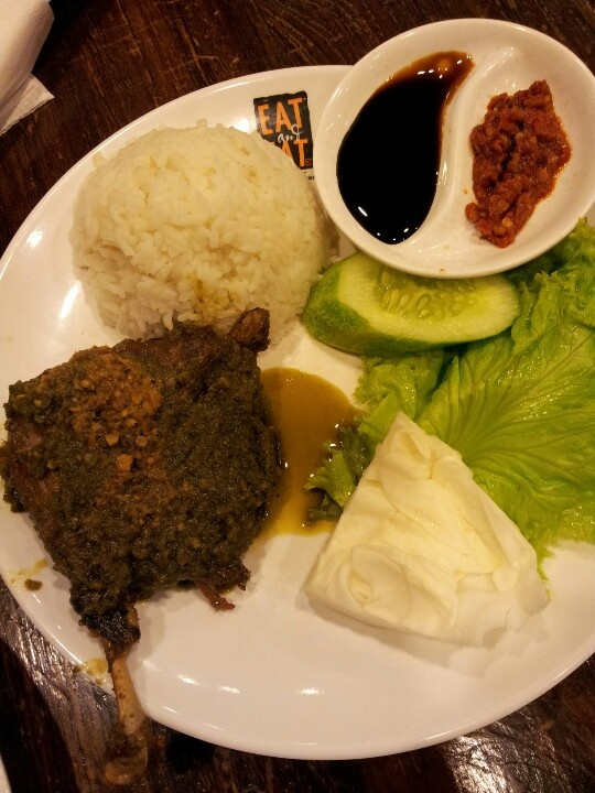 Nasi bebek.  Spicy duck with rice. This super spicy food mostly found in Surabaya. One of the best Indonesian food. #Indonesian recipes #Indonesian cuisine #Asian recipes #Asian cuisine  http://indostyles.com/