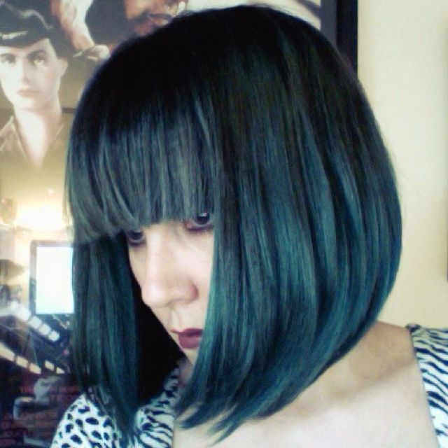 MANIC PANIC Shocking Blue, Raven, and Midnight Blue bob with blunt bangs. I want my hair like this so badly.