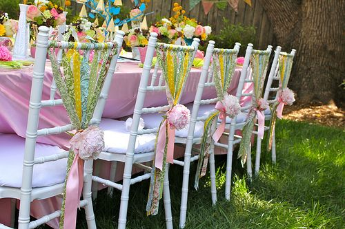 It was the chair decorations that caught my attention here...but then I loved the whole party--all of it!
