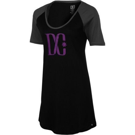 The DC Women's Baseball Tstar Raglan Dress wears with leggings or tights when you have a fun dinner party to go to or you just want a casual yet comfortable outfit for school.