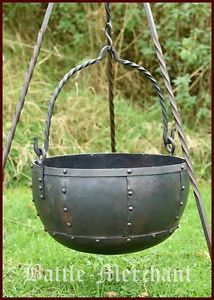 Large-steel-cauldron-riveted-approx-29-litres-camp-fire-pot-viking-medieval