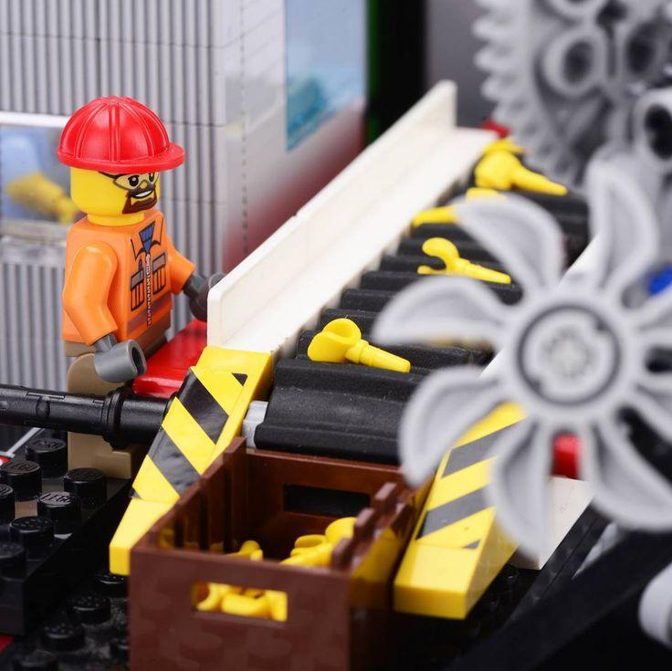 Factory work!  #WeLoveWhatYouBuild #wlwyb #lego #legostagram #toys #toyslagram #toystagram #design #legominifigures  #legoideas  #legofun  #legophotography  #legomoc  #legoart  #legomania  #like  #instalike  #minifig  #minifigure  #inspiration  #creativeminds  #creation  #legogram  #build  #instatoys  #toycommunity  #brickcentral  #gp  #factory  #working
