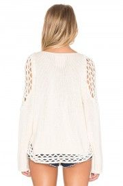 Revolve | Spring Summer 2017| AucciKnitting | Knitting | Knitting project | Moda | Knitwear 2018 | Girl | Pullover | Pullover Sweater | Pullover stricken | Pullover outfit | Pullover nähen | Pullover stricken anleitung | Stricken | Stricken deutsch | Stricken anleitungen | Sweaters | Sweater dress | Sweater outfits | Sweater for fall | Sweater weather | Hand made | Beige | Beach