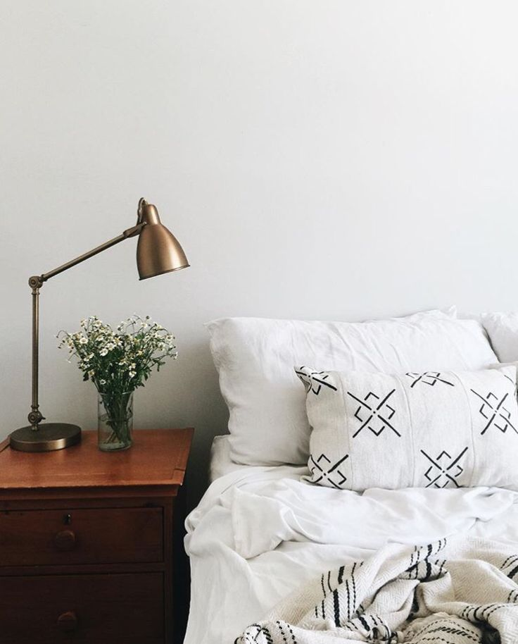 Bedside table and lamp 42 best Bedrooms