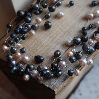 Biżuteria Artystyczna KamykiMoniki: Czarne perły, oksydowane srebro - biżuteria artystyczna.