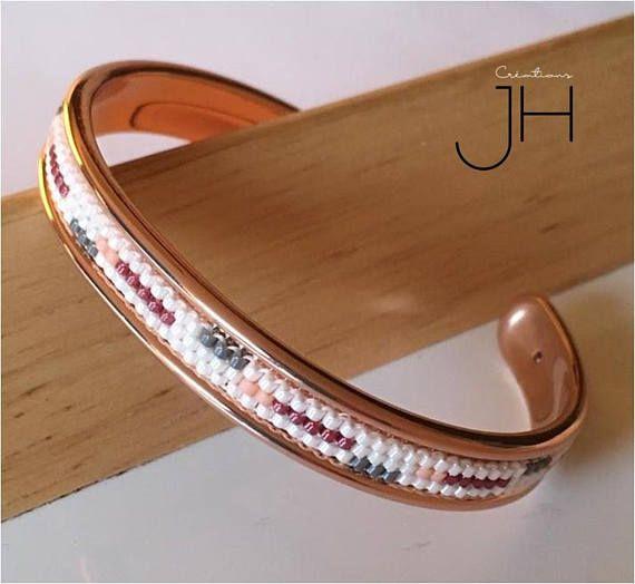 Bracelet manchette sur jonc en laiton de couleur OR ROSE /