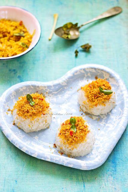HESTI'S KITCHEN : yummy for your tummy: Songkolo/Sokko aka Ketan Serundeng
