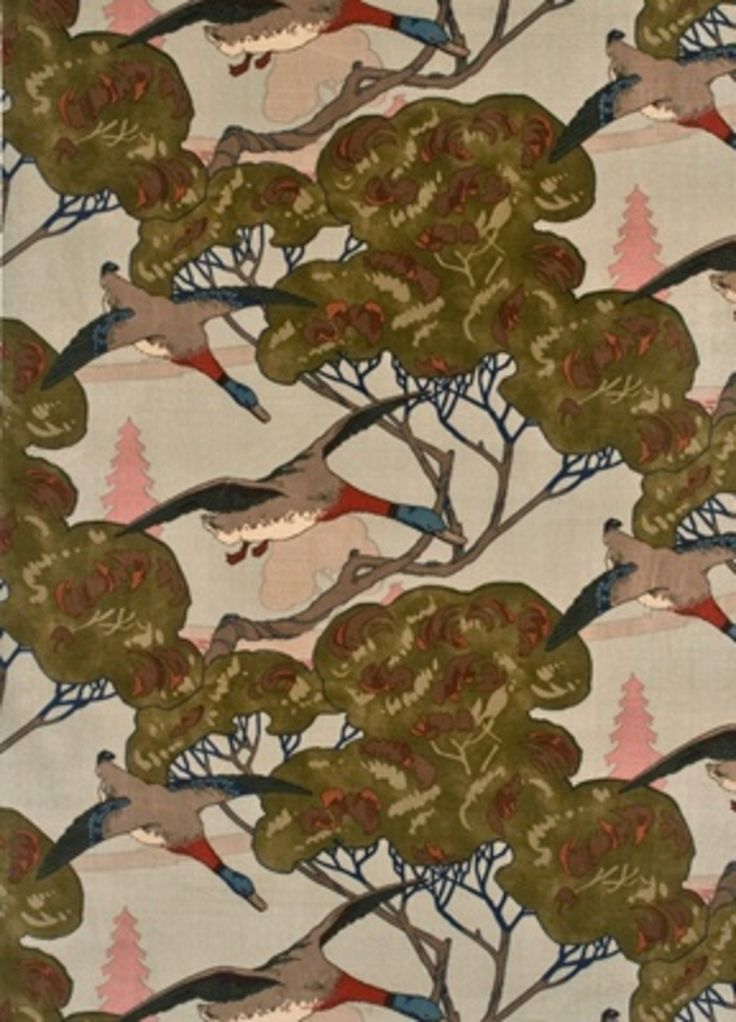 Mulberry Home draws inspiration from its English heritage whilst introducing new ideas and interpreting them with modern relevance. From stunning embroidered silks to amazing jacquards and printed linens. Flying Ducks is a favourite of ours in the collection #interiordesign #fabric #country #mulberry #home
