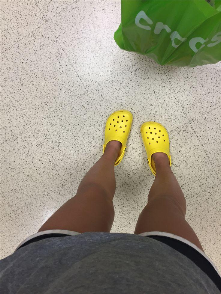 @zoereneemills  yellow crocs // completely in love