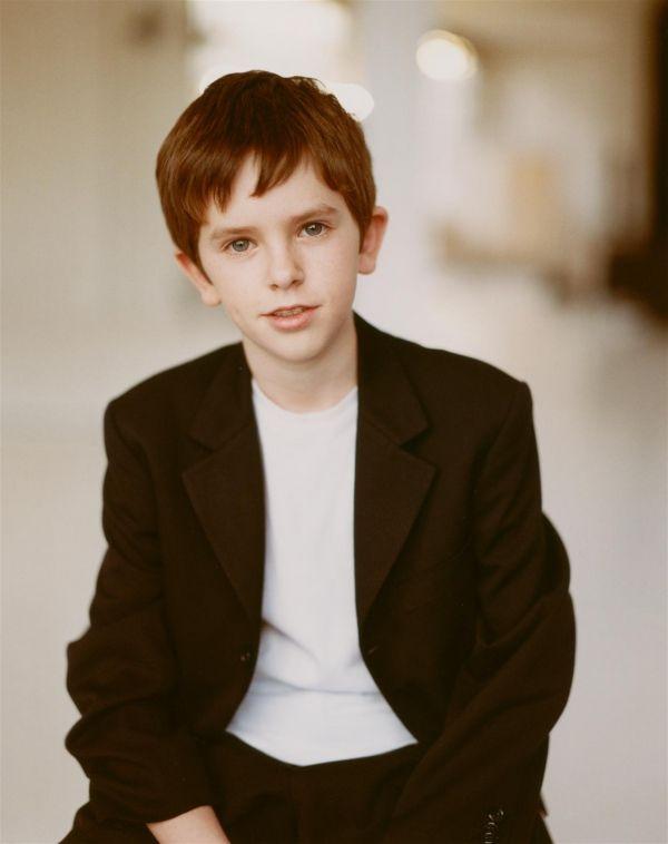 Freddie Highmore....this kid is one of my favorite actors<3