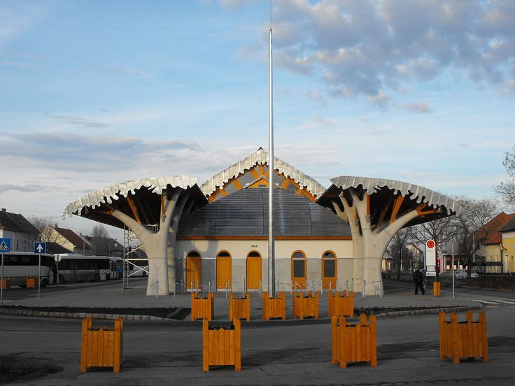 Makó Bus Station 2010 November 01 - Imre Makovecz - Wikipedia, the free encyclopedia