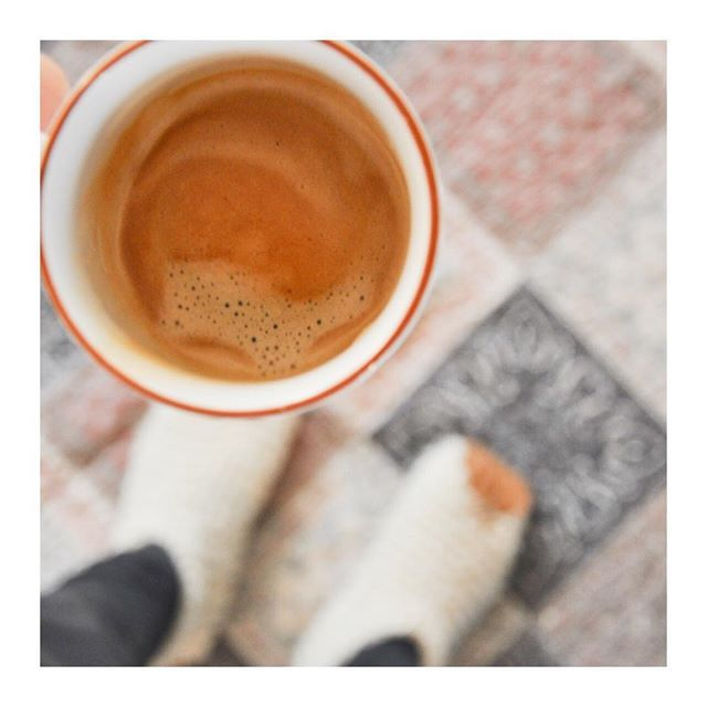 Cozy mornings ☕️ #coffee #morning #chilote #chiloteshoes #dailypr #dailyprdk