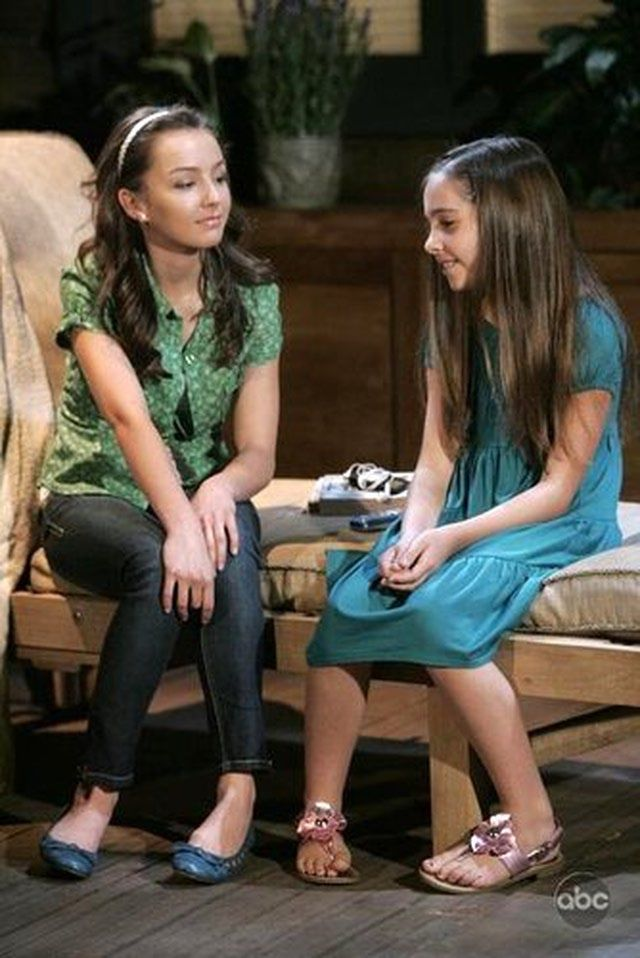 General Hospital Photos for the Week of June 29, 2009: Kristina and Molly (Lexi Ainsworth, Haley Pullos)