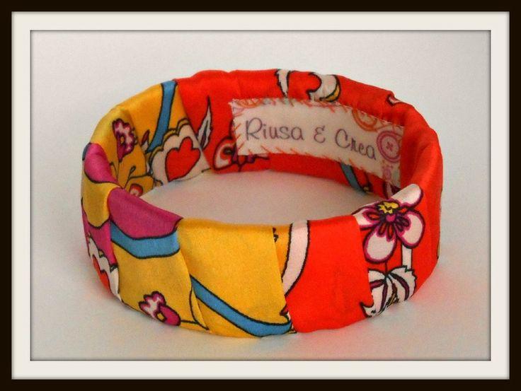 Bracciale ricoperto di tessuto paisley di Riusa & Crea su DaWanda.com