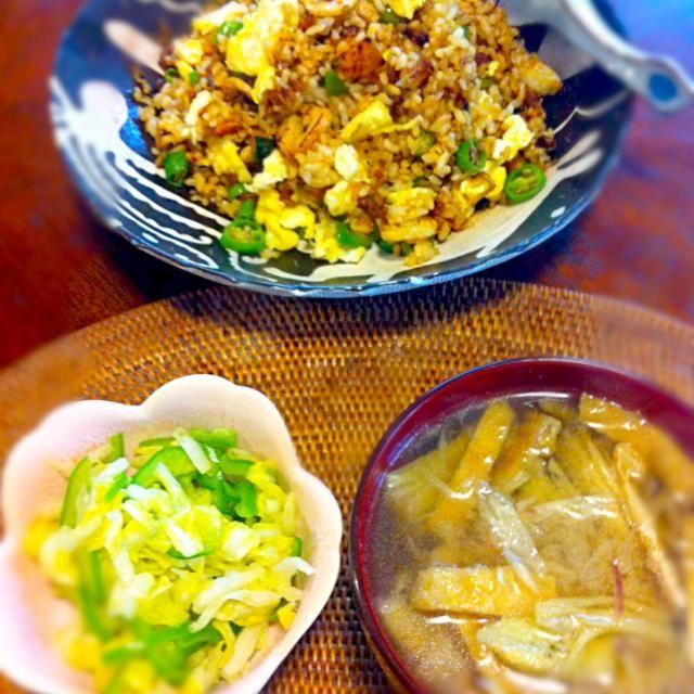 ご飯が少なめだったので、カボチャで増量。 - 7件のもぐもぐ - カボチャ入り納豆焼飯、白菜とピーマンの即席漬け、焼き茄子の味噌汁 by integral42