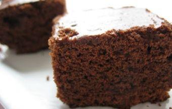 Аппетитный шоколадный пирог без яиц и молока