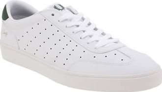 Fred Perry White Umpire Mens Trainers The tables are turned, as everyone will be surveying the Umpire this season. Arriving from Fred Perry, these tennis-inspired kicks arrive in premium white leather, with perforated detail and green acc http://www.comparestoreprices.co.uk/january-2017-8/fred-perry-white-umpire-mens-trainers.asp