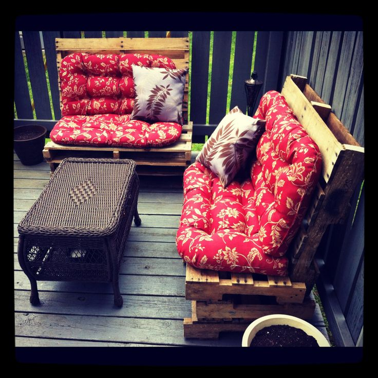 1000+ Images About Pallet Loveseats On Pinterest