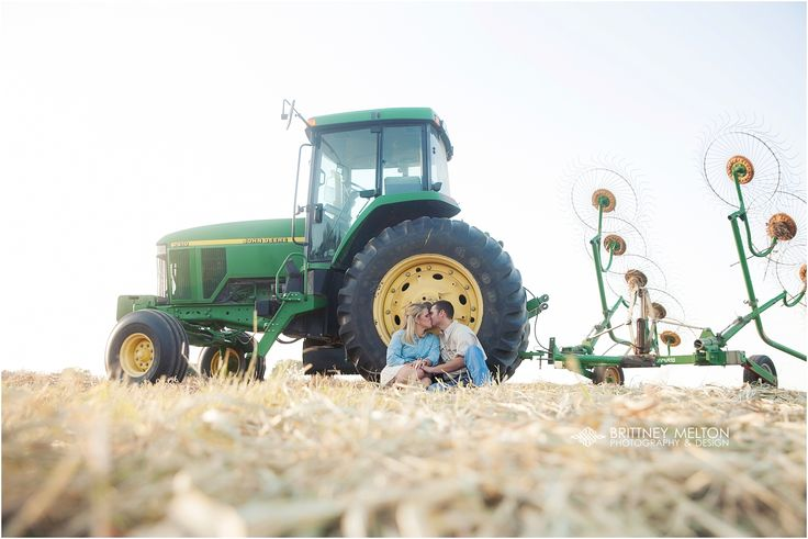 @kaitlynwisehart Kaitlyn & Jonathan - Field Engagement Photos ... Golden Light Engagements ... Tractor Engagement Photos #BrittneyMeltonPhotography
