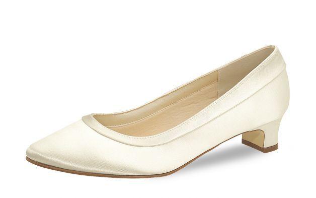 Comfortabele platte schoen, een leuke schoen waar je het de hele dag met gemak op vol kunt houden!