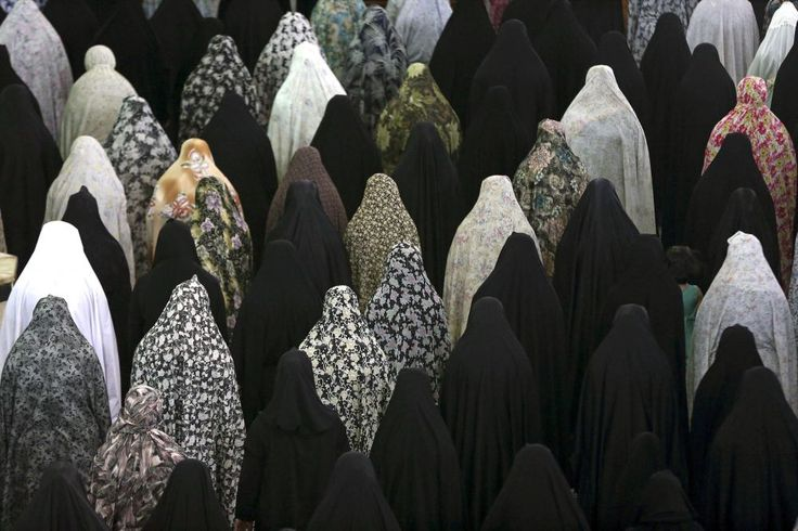 La professeure Homa Hoodfar, relâchée cette semaine, pose un regard critique sur son pays d'origine.