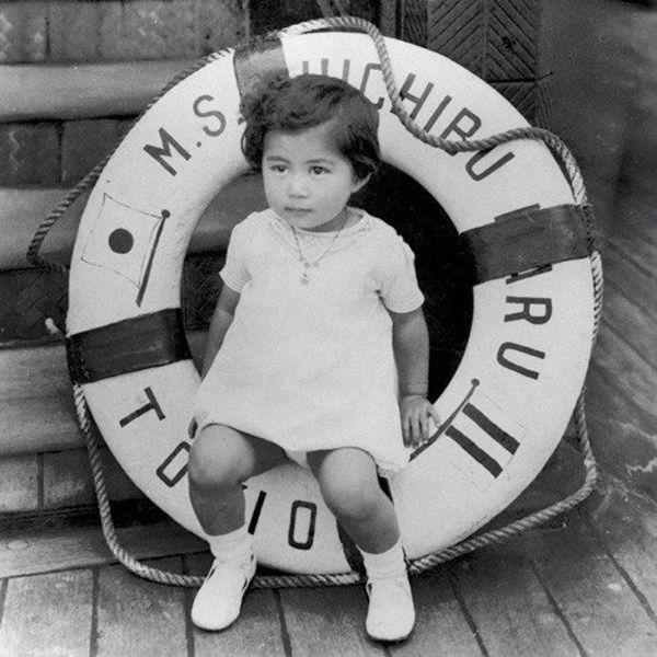 Young Yoko Ono (age 3-4)
