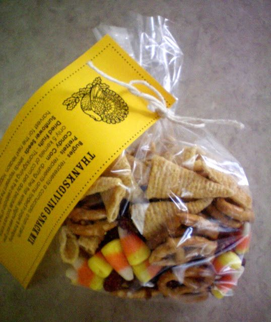ThanksGiving Snack Mix- how cute would it be to make and bring these to your family feast for the little kids or everyone.