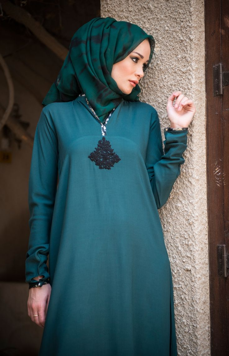 Damask Abaya #Aab #AabCollection #Collection #Damask #Embroidery #Intricate #Black #Green