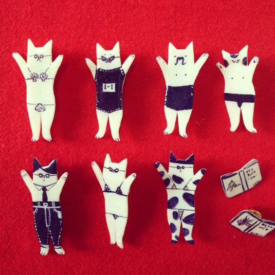 """Crazy cats"" - cat brooch by chidoriko"