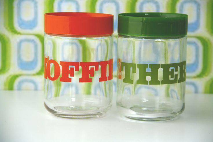Retro voorraadpotten glas, glazen potten seventies, kofie en thee. retro keukenplastic, 70's keuken oranje en groen, hippie keuken door FunkyPastPresents op Etsy