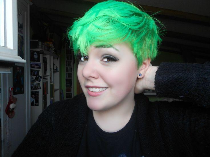 Neon Green Pixie (…)