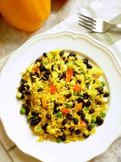 Riso speziato con verdure e fagioli neri