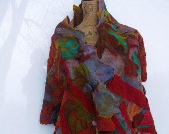 Nuno vilten omslagdoek Autumn Dream; Bourgogne rood met staalblauw; OOAK; Eco-mode; Luxe cadeau voor haar; Kunst omslagdoek; Etsy ASAP; 193 x 46 cm