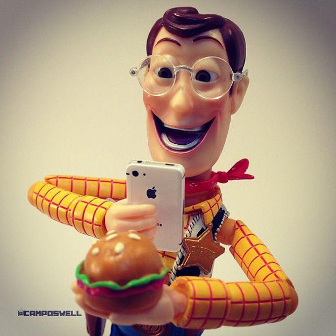 Brasileiro faz sucesso no Instagram com fotos de Woody, do Toy Story 3D