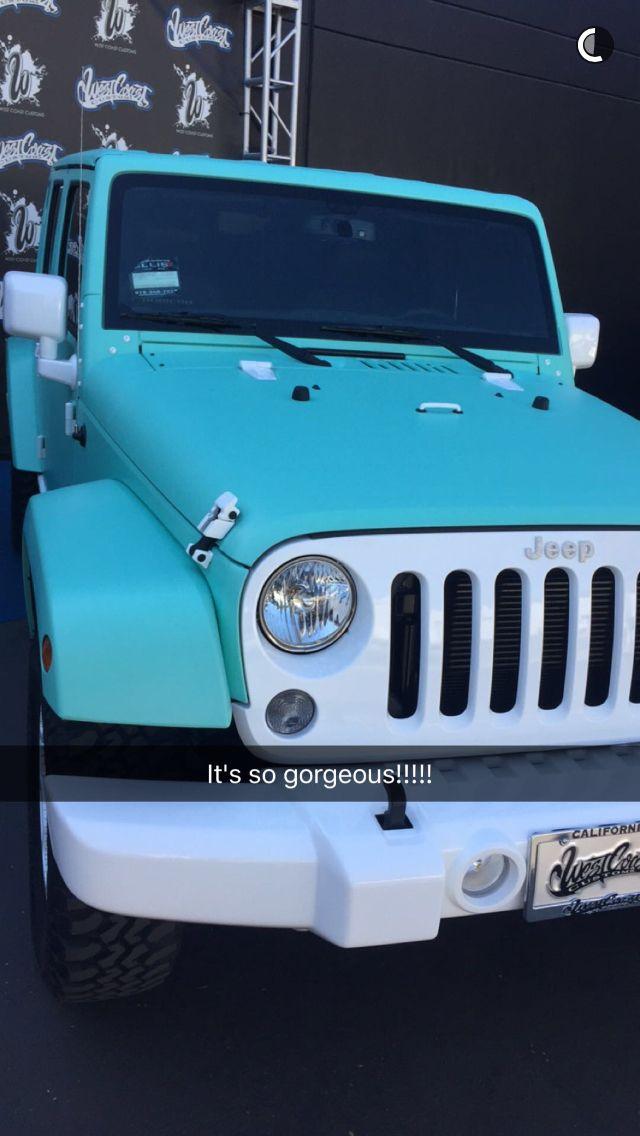 Jeffree Star's custom matte tiffany blue Jeep